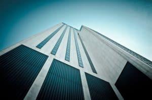 המדריך המלא למציאת עורך דין מקרקעין מוצלח